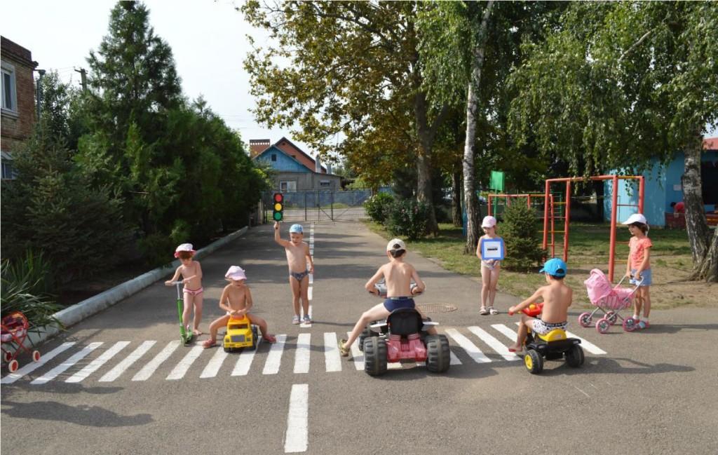 Необычные и неофициальные праздники августа. Международный день светофора