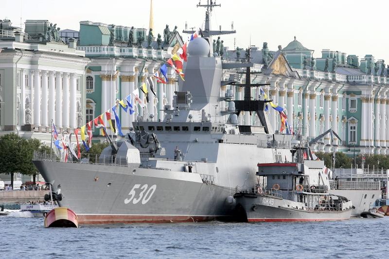 День ВМФ- 2017 в Петербурге: Главный военно-морской парад, Кронштадт, фейерверк
