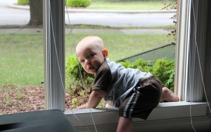 Самые распространенные детские травмы, как избежать и что делать. Падение с высоты