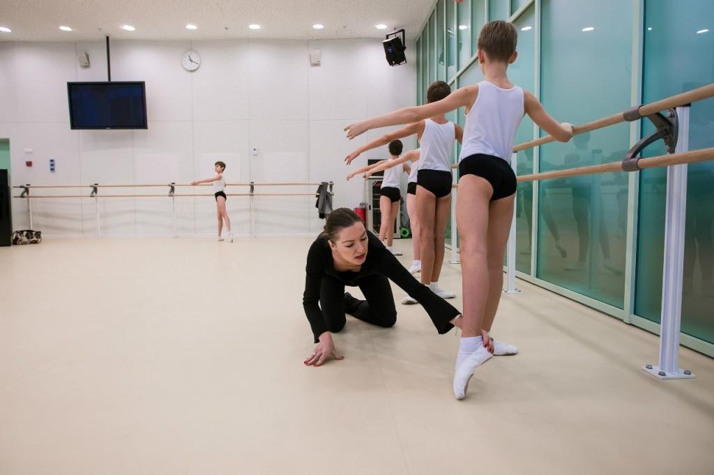 На базе Академии танца Бориса Эйфмана планируется открыть общегородское образовательное учреждение по обучению танцев для детей