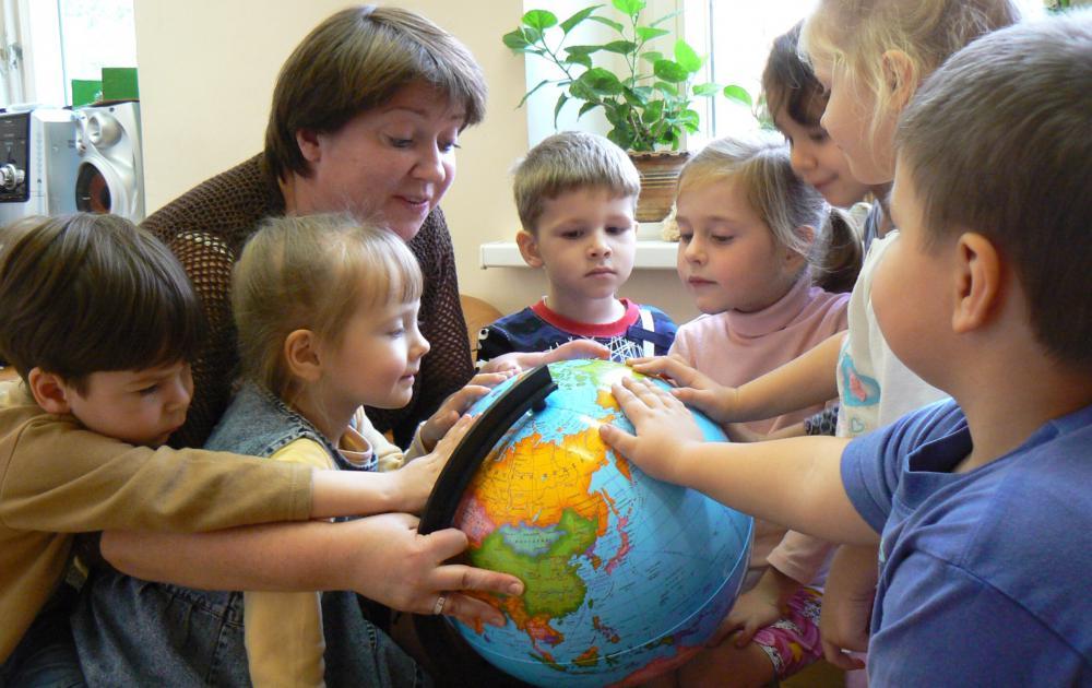 Необычные и неофициальные праздники октября: как отмечать. Международный день социального педагога