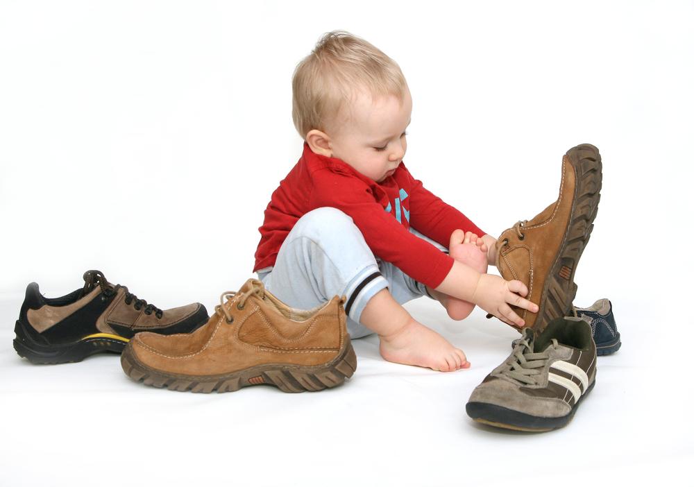 новые правила ужесточат требования к детской обуви, печатной продукции, предметам гигиены
