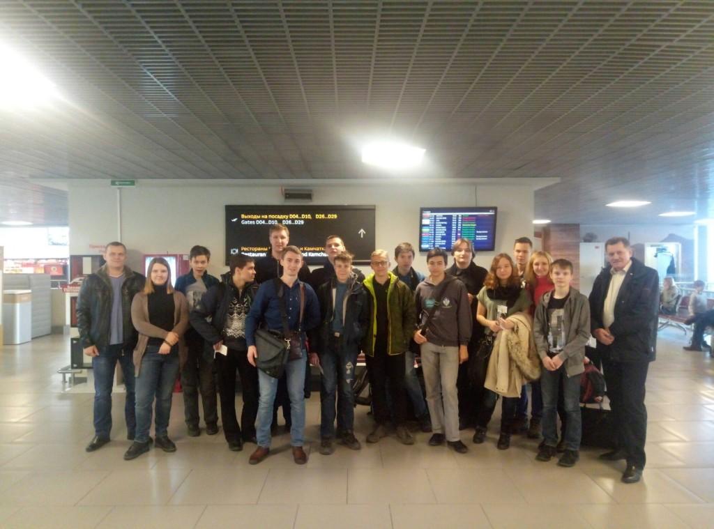 Эксперты и школьники Петербурга отправились в Екатеринбург на WorldSkills Hi-Tech