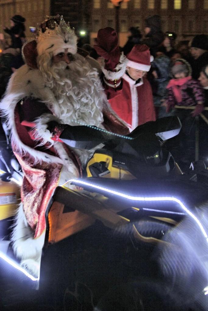 Петербург вновь посетит Дед Мороз
