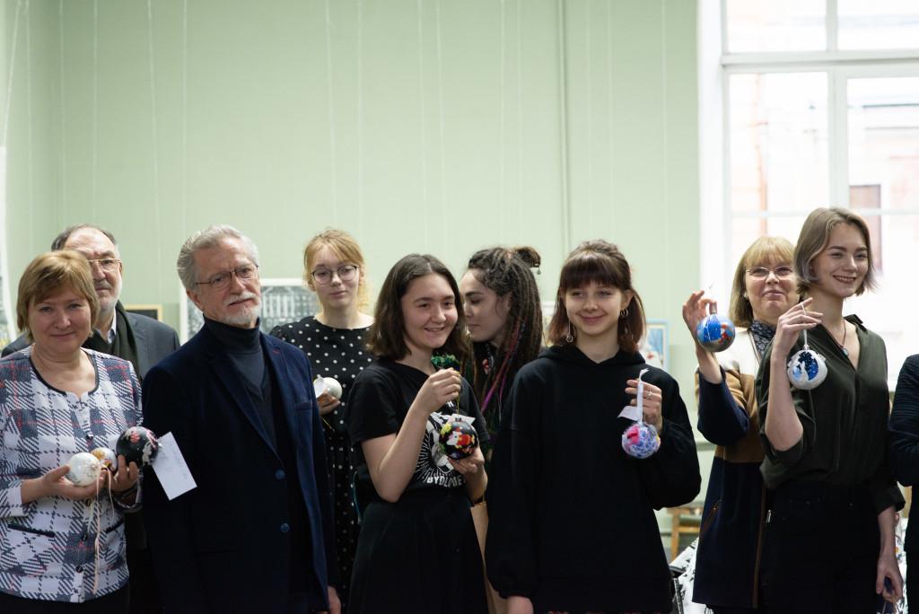 Игрушки из Академии им. А. Л. Штиглица украсят ёлку в Детском хосписе