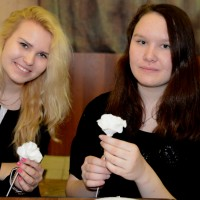 Белый цветок детей для детей