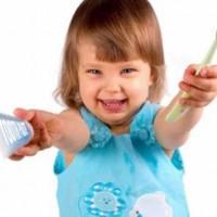 Немецкий журнал назвал вредные зубные пасты для здоровья