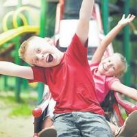 Чем занять ребенка летом в городе и на даче – активные и развивающие игры для детей